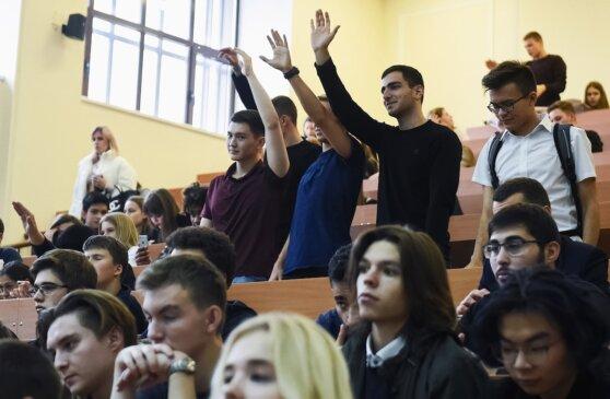 Почему российские студенты не торопятся на баррикады