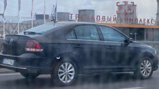 По российским улицам проехал новый Volkswagen Polo Sedan