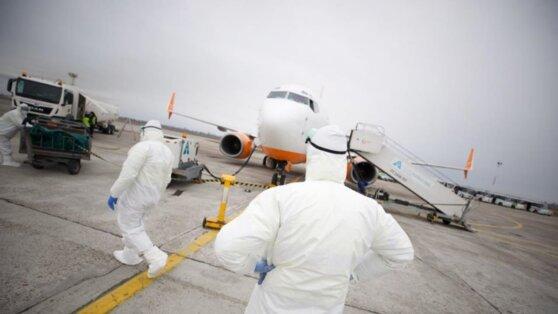 Эвакуированной из Китая украинке вызвали