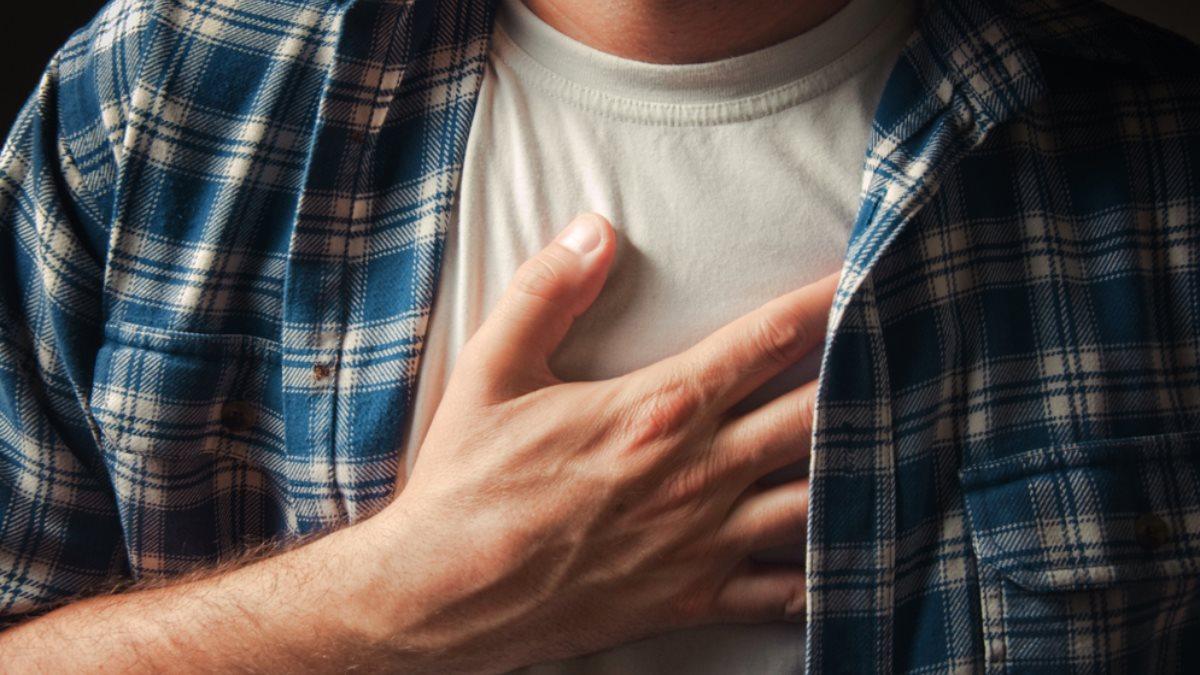 Боль в груди сердце сердечный приступ инфаркт один
