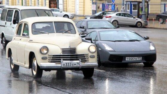 В Минпромторге предложили повысить транспортный налог на старые машины