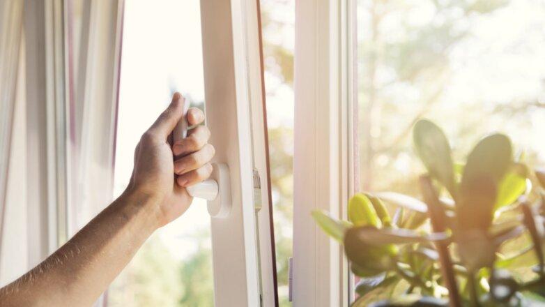 Окно проветривать комнату помещение