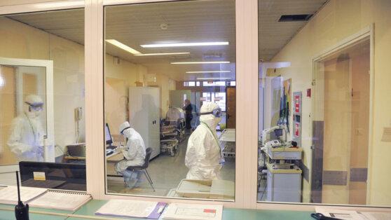 В России число умерших от коронавируса достигло восьми