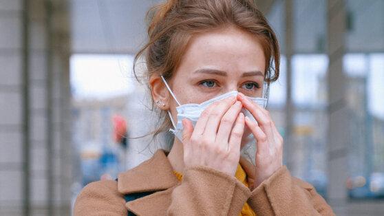 Медики назвали новый симптом заражения коронавирусом