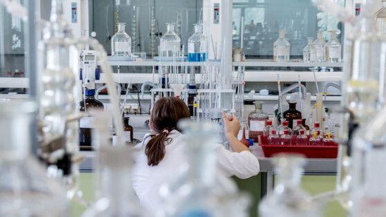 В Польше разработали замедляющее заражение коронавирусом средство