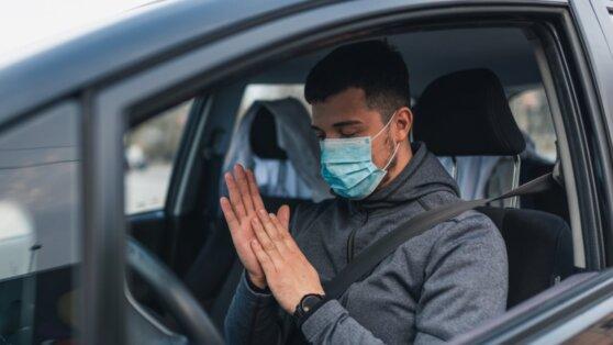 Установлен срок жизни коронавируса на медицинской маске