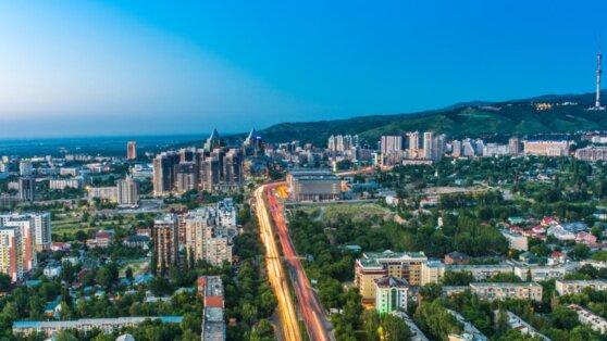 Власти Казахстана ограничат транспортное сообщение внутри страны