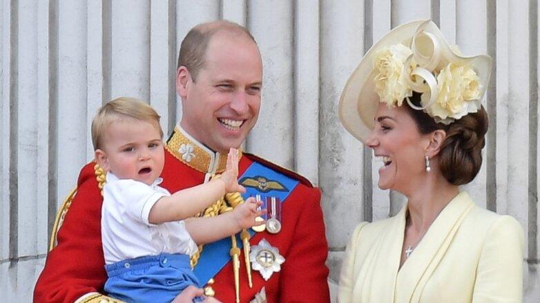 Принц Уильям и Кейт Миддлтон с сыном Луи