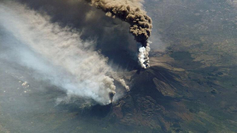 Извержение вулкана Этна в 2002 году