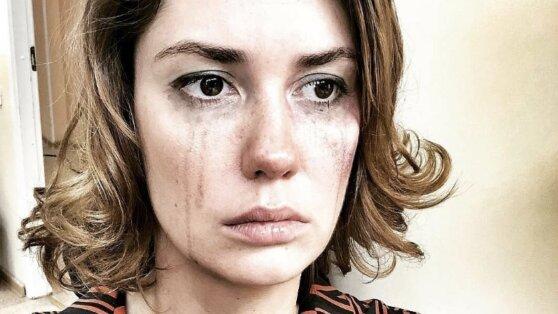 Муцениеце в слезах рассказала об избиении ее пьяным Прилучным