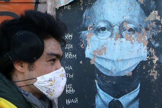 Что делали известные писатели, ученые и музыканты, оказавшись в изоляции