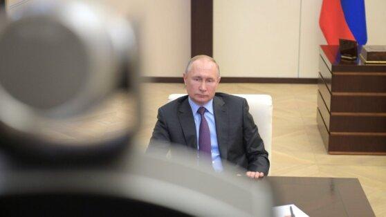 Путин распорядился выделить 10 млрд рублей на выплаты медикам