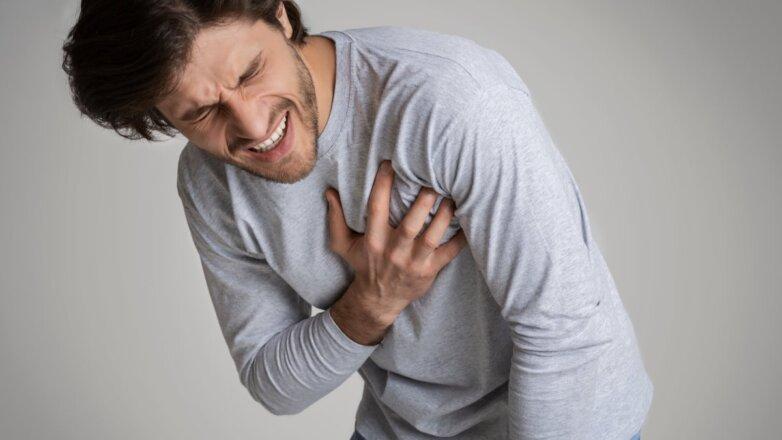 болит сердце мужчина
