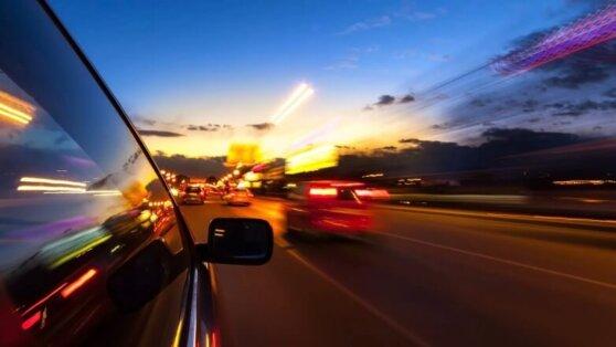 Водителям назвали самые опасные ошибки во время ночной езды