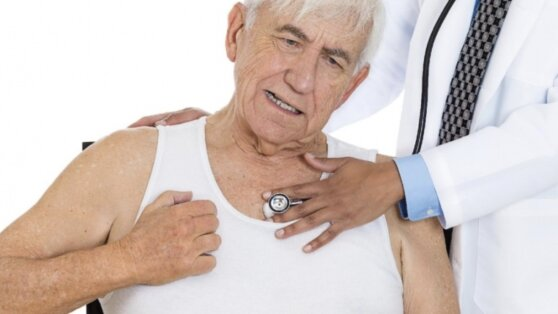 Кардиолог назвал необычные признаки скорого инфаркта на коже