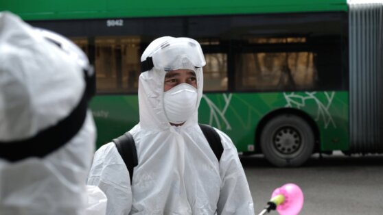 Стали известны подробности о зараженных коронавирусом в Казахстане