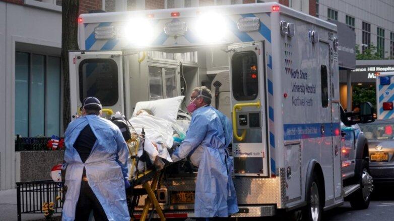 США коронавирус скорая помощь пациент каталка