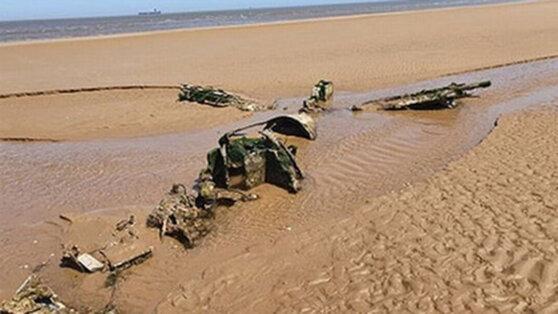 На пляже нашли обломки истребителя времен ВОВ