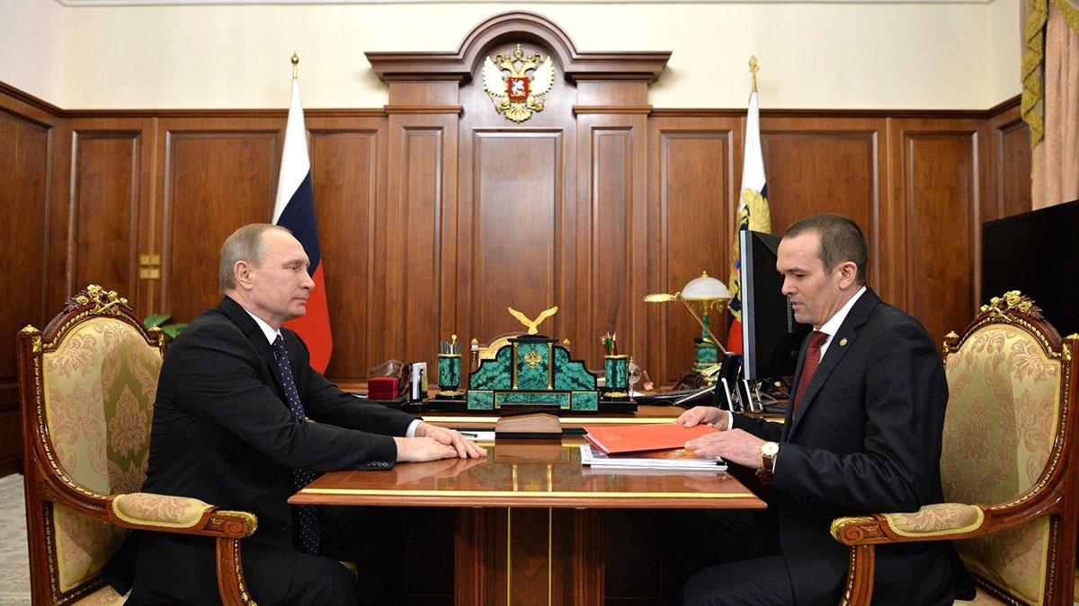 Михаила Игнатьев Владимир Путин