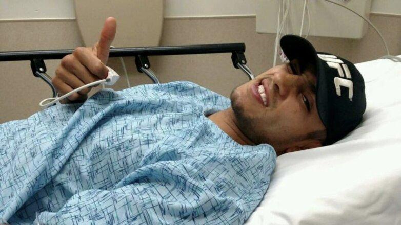 Тони Фергюсон в больнице