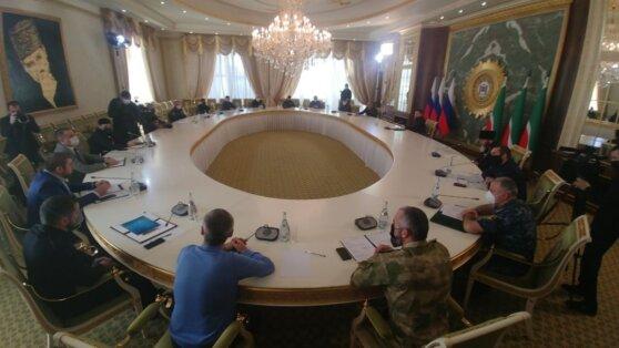 Кадыров появился на публике после сообщений о заражении коронавирусом