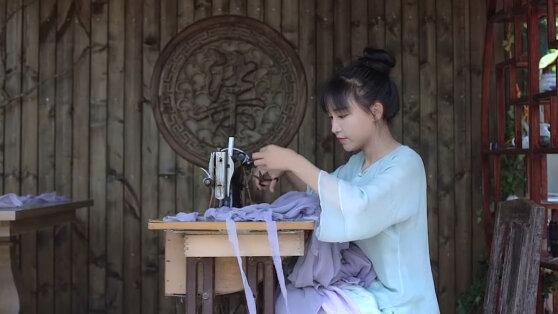 Чем китайская фея из интернета очаровала Запад