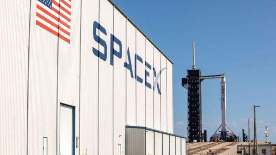 Как SpaceX хоронит планы России по освоению космоса
