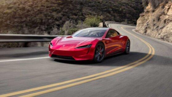 Электромобиль Tesla Roadster получил ускорение на реактивной тяге