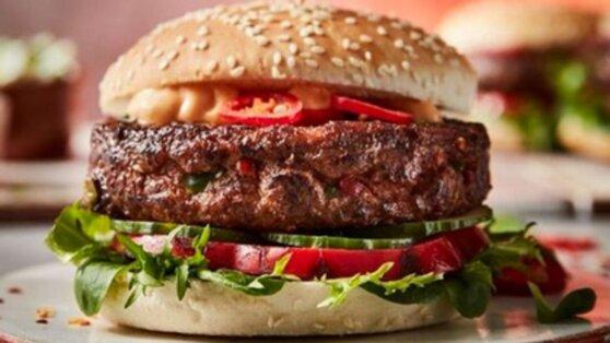 В Великобритании в продаже появились самые острые в мире бургеры