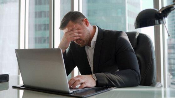 Россияне назвали самые раздражающие качества коллег