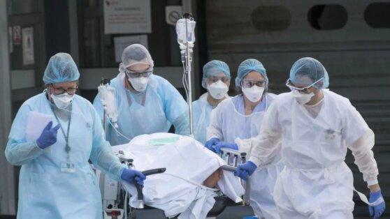 В Роспотребнадзоре предупредили о возможности роста смертности из-за COVID-19