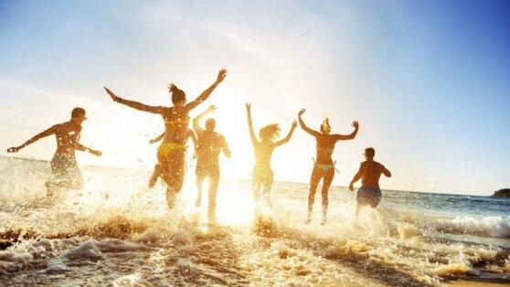 Синоптик рассказал, на каких курортах России самое теплое море
