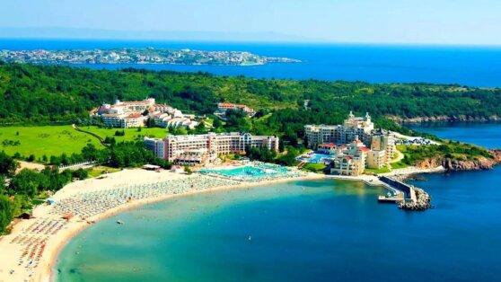 Известный у россиян курорт объявил о приеме туристов без ограничений