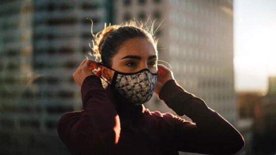 Эксперт заявил о «сомнительной» эффективности популярных масок