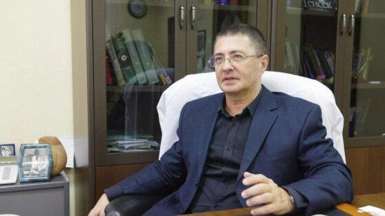 Доктор Мясников назвал причины ослабления коронавируса в России