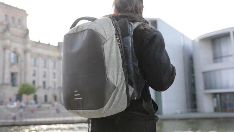 неизвестные похитили рюкзак с 12 млн рублей