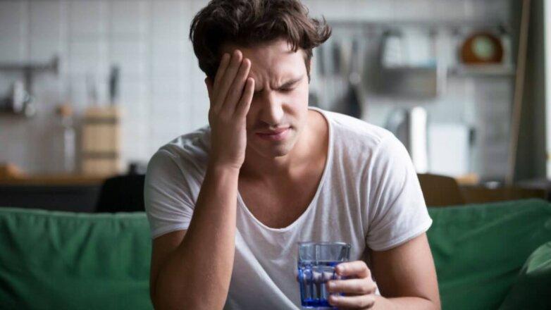 Похмелье головная боль стакан воды