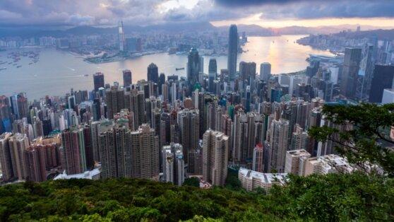 Трамп объявил о введении санкций против Китая из-за ситуации в Гонконге