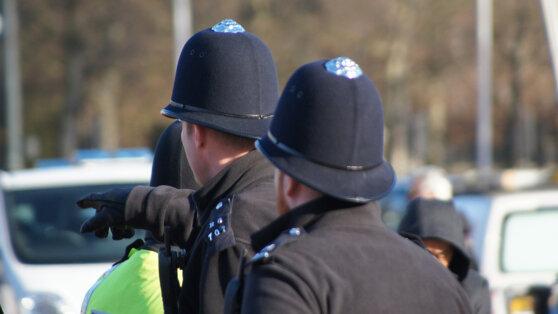 На лондонских полицейских нарочно чихали, чтобы заразить COVID-19