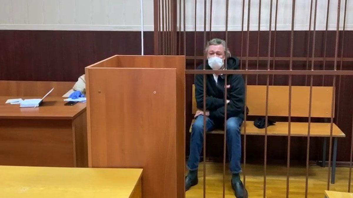 Актёр Михаил Ефремов в суде два