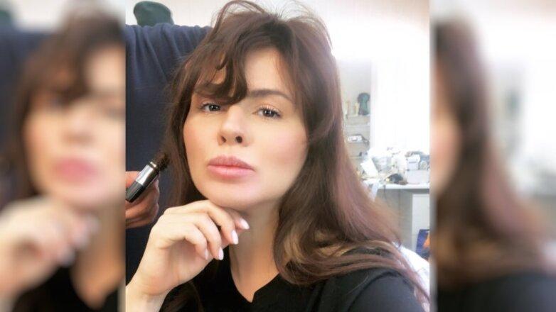 Анна Семенович стала брюнеткой