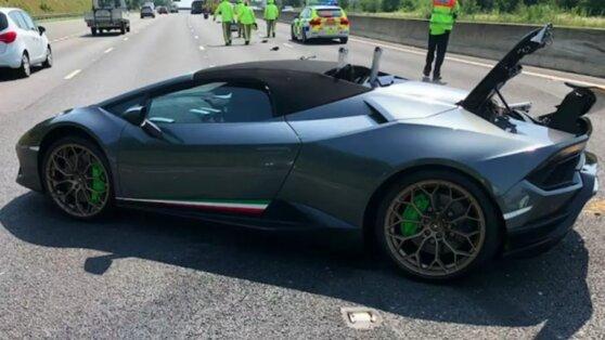 В Великобритании новый Lamborghini разбили через полчаса после покупки