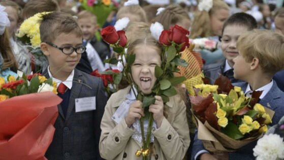 Российским школьникам вернули традиционные линейки 1 сентября