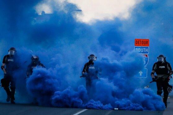 Проверка бунтом: как беспорядки повлияют на предвыборную гонку в США