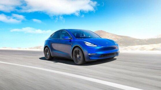 Названы сроки появления семейной версии Tesla Model Y