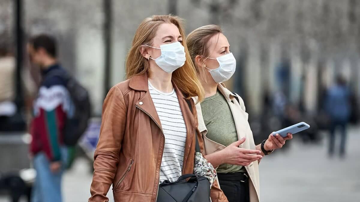 Улица коронавирус маска женщины
