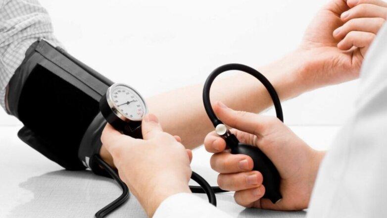 артериальное давление врач недомогание