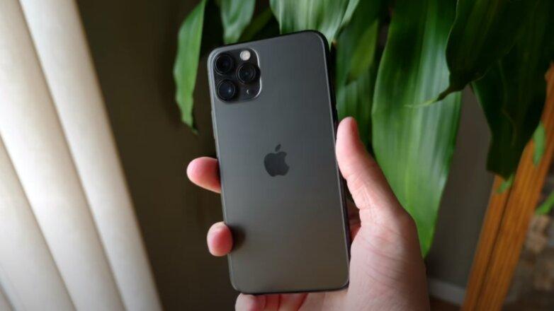 iPhone 12 попал на видео