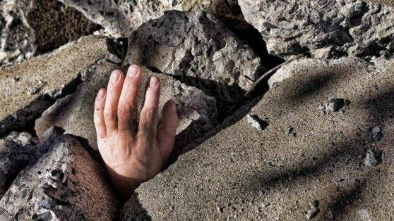 Заживо похороненный мужчина самостоятельно выбрался из могилы
