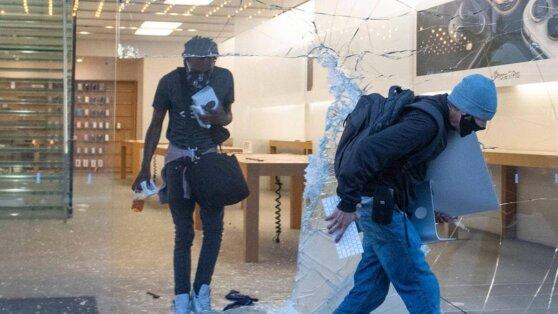Apple заблокировала украденные во время бунтов в США iPhone